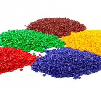 Multi-coloured plastic pellets