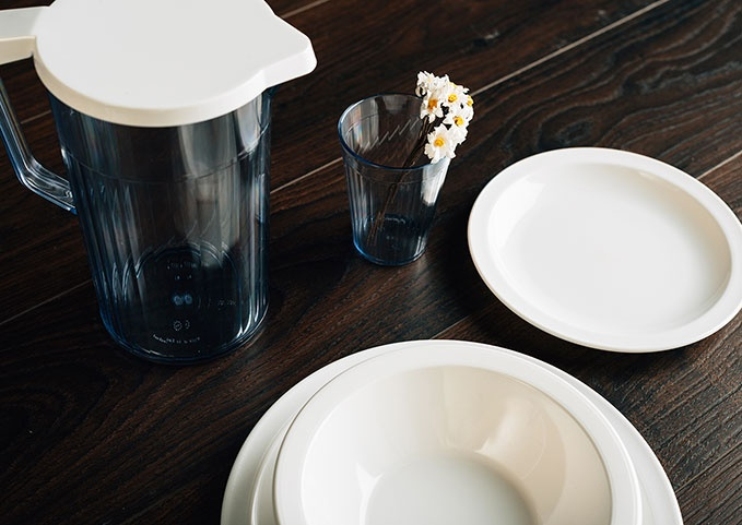 & Win a set of unbreakable antibacterial tableware